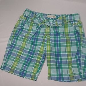 Shorts OLD NAVY SIZE # 4.squared doble button